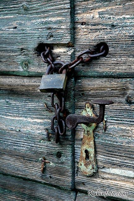 Door_lock.jpg